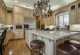 Custom Home Built By Desco Fine Homes in Dallas