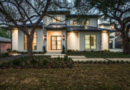 Preston Hollow Custom Built Home by Desco Fine Homes of Dallas