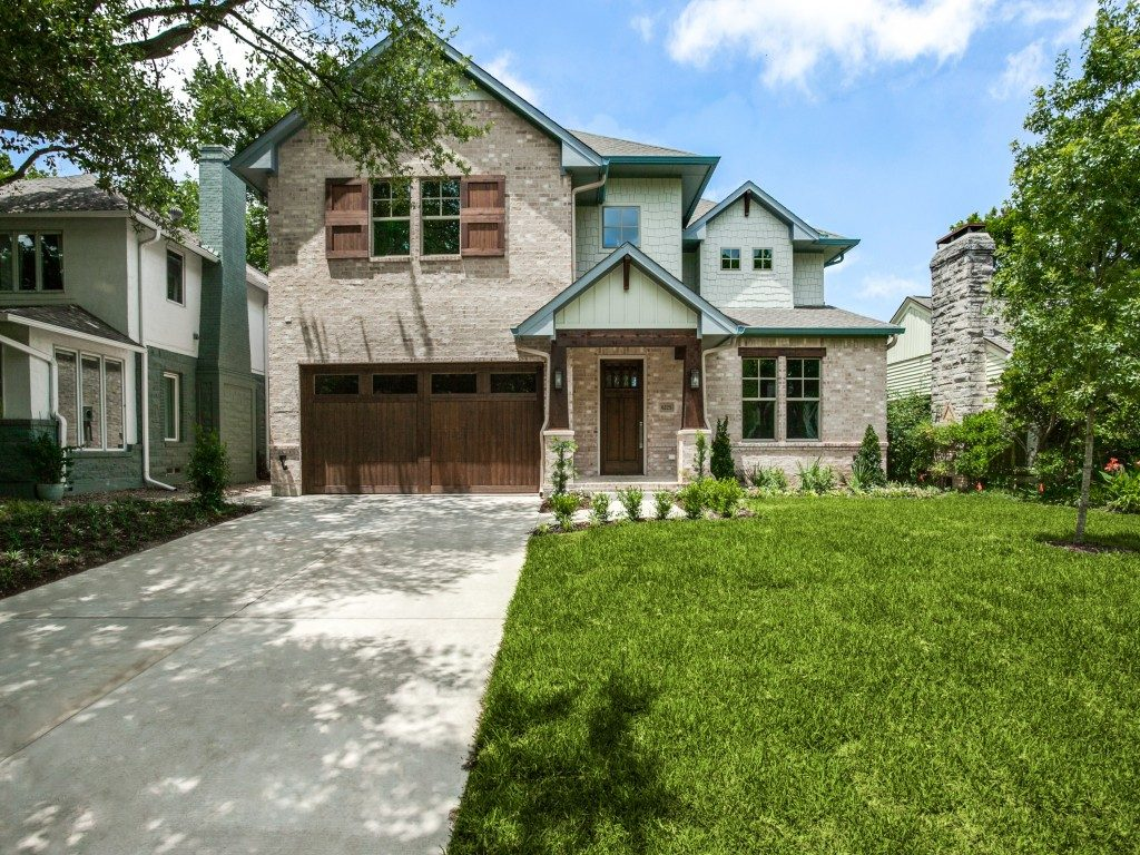 FOR SALE: CUSTOM HOME IN THE LAKEWOOD AREA OF DALLAS AT 6225 MCCOMMAS